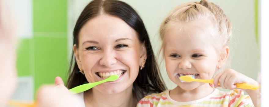Çocuklarda Diş Fırçalama Eğitimi